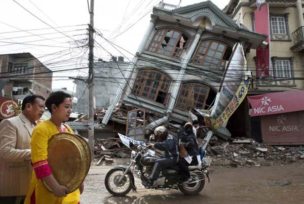 Séisme de 2015 - Une maison de Katmandou détruite